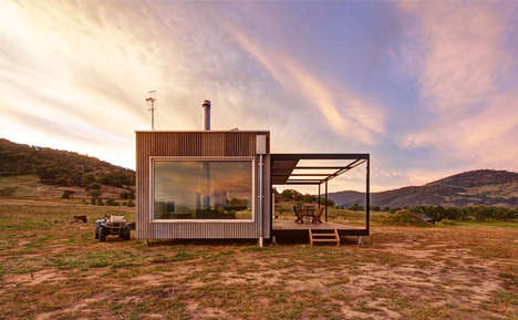 Rural Off-Grid Cabins - The Tintaldra Rural Cabin Blends in Seamlessly With its Rugged Surroundings