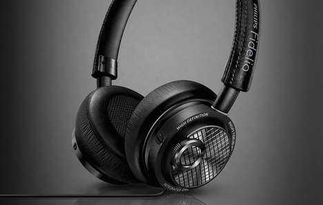 Lightning-Connected Headphones
