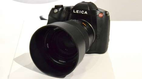 Speedily Snapping Cameras - The Leica S Type 007 Offers Fast Continuous Shooting