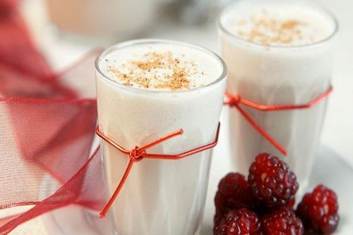 40 Festive Holiday Drinks