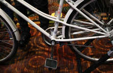 Integrated Geotracking Pedals - The Connected Cycle Smart Pedals are Being Displayed at CES 2015