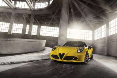 Carbon Fiber Convertibles - The Alfa Romeo 4C Spider Was Unveiled At the Detroit Auto Show