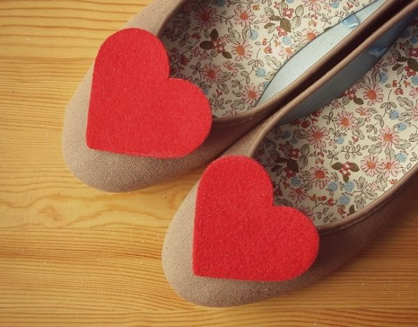 45 Heart-Shaped Fashion Examples