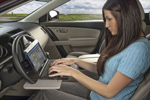17 Examples of In-Car Productivity