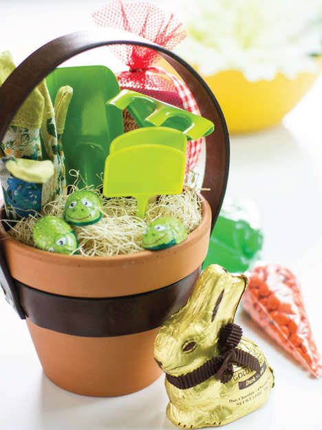 Potted Easter Baskets - This DIY Easter Basket Upcycles an Old Belt and a Flower Pot