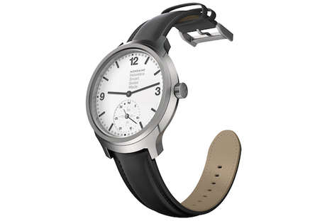 Typeface-Themed Smartwatches