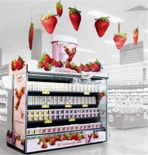 Bold Yogurt Displays - Yoplait Singles Out Natural Ingredients with Strawberry Signage