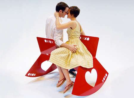 Kiss-Conducing Benches - The Kissing Bench Allows Couples to Feel Comfortable When Exchanging Saliva