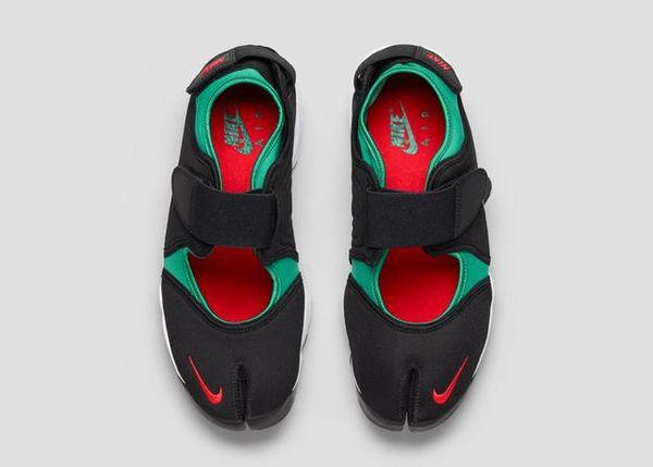 Split-Toe Running Shoes : Nike Air Rift