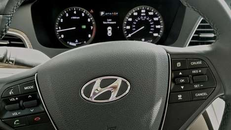 Hybrid Smartphone Cars - The Hyundai Sonata Android Auto Promises a Safe Smartphone Experience