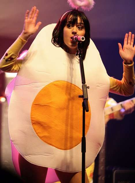 Singers as Fried Eggs