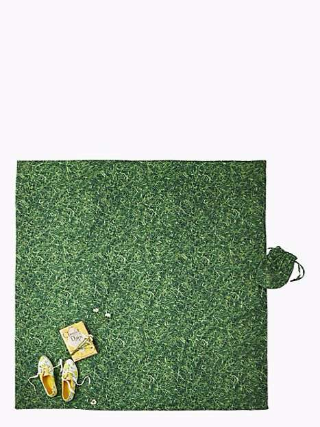 Grassy Picnic Blankets