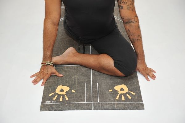 18 Creative Yoga Mat Designs