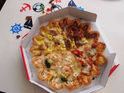 Shrimp-Infused Pizzas - This Strange Pizza Features Dough Pockets with Various Unusual Fillings