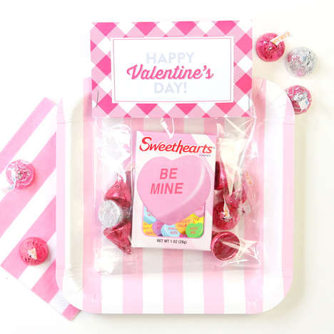 Romantic Candy Bag DIYs - These Valentine's Day Candy Packs are a Fun Gift for Loved Ones