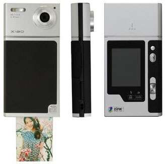 Polaroid-Style Digital Cameras - Tomy Ciao TIP-521 Prints on the Spot