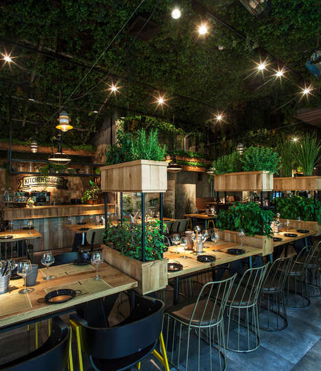 Herb-Covered Eateries - This Restaurant is Decorated with Herbs the Chef Uses to Prepare Meals