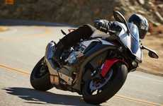 Canyon-Carving Motorbikes - The Yamaha YZF-R1S is Designed To Rip Up Mountain Roads