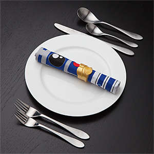 Geeky Droid Serviettes - These R2-D2 and C3PO Napkin Designs Incorporate Star Wars into Dining