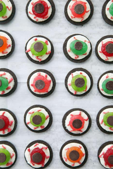 Gruesome Cookie Eyeballs