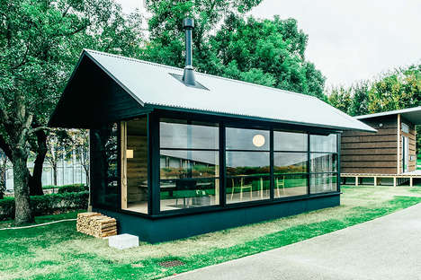 Minuscule Japanese Huts