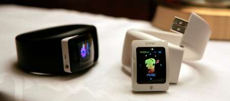 MP3 Watch Dock - Convert Your iRiver S10 into a Watch