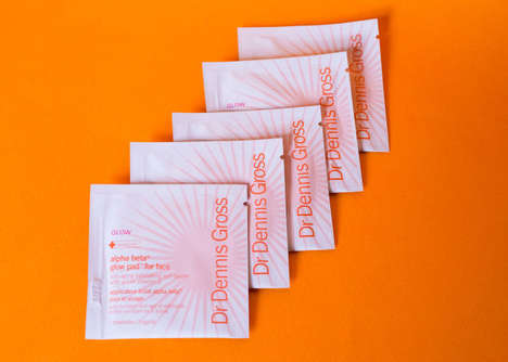 Anti-Aging Tanning Wipes - The Dr Dennis Gross Glow Pads Darken the Hue of the Skin on the Face