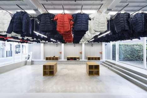Moving Clothing Displays