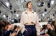 Dating App Catwalk Livestreams - J.W.Anderson Will Livestream Its F/W 2016 Fashion Show on Grindr