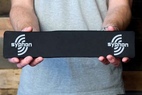 Bendable Speaker Systems - The Syphon 'Soundwave' Portable Speaker System Bends for Convenience