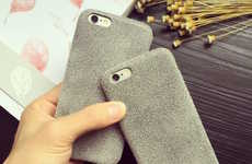Insulating Smartphone Cases - The FistCase Flannelette Soft iPhone Case Keeps Devices Cozy