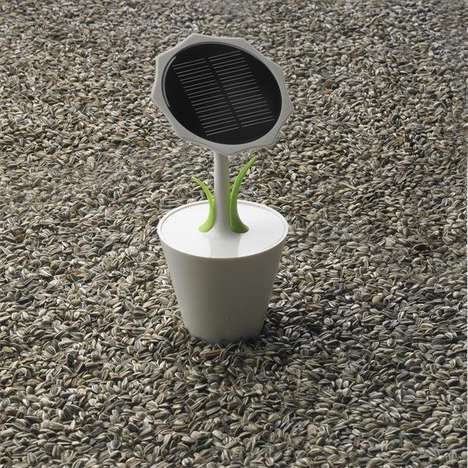 Solar Sunflower Chargers - This Solar Charging Device Uses Natural Energy to Power Batteries
