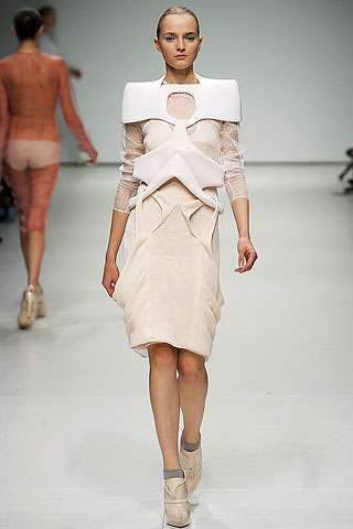 Louise Goldin's Sports Medicine-Inspired Spring 2009 Collection