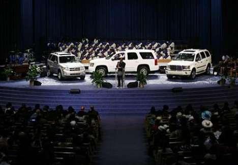 Mass Car Worshipping