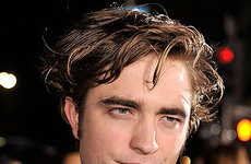 Pre-Teen Fan Shockers - 8-Year-Olds Beg Robert Pattinson For Bites