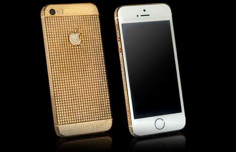 Bejewelled Gold Smartphones - This Gold Smartphone is an iPhone SE Transformed By Goldgenie