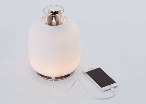 Phone-Charging Lamps - The Candela Uses Natural Energy to Provide Light and Charge Smartphones