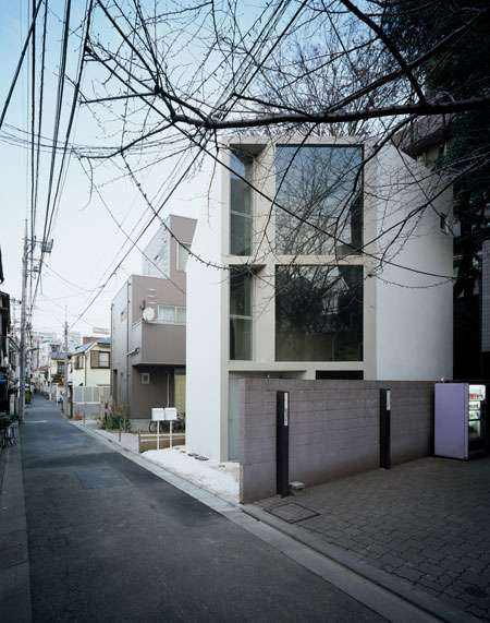 Small-Space Architecture - The Angular and Super-Compact '63.02 House' in Japan