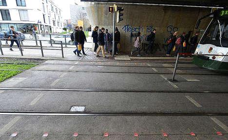 Sidewalk-Embedded Traffic Signals
