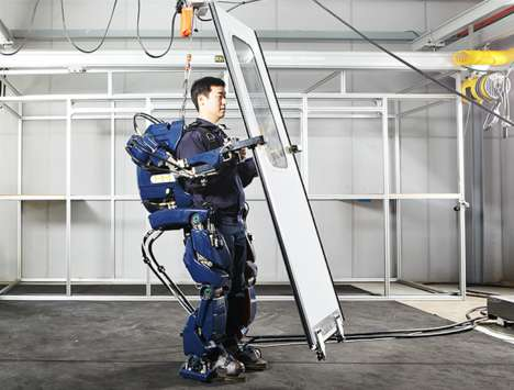 Wearable Robotic Exoskeletons - Hyundai's New Iron Man Suit Helps Wearer's Lift Heavy Objects