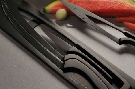 Space-Saving Knives
