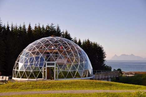 Sustainable Glass Homes - This Natural Family Home is Covered by a Sustainable Dome