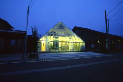 Voyeuristic Dwellings - The Glass Pyramid House by Yukihide Mizuno