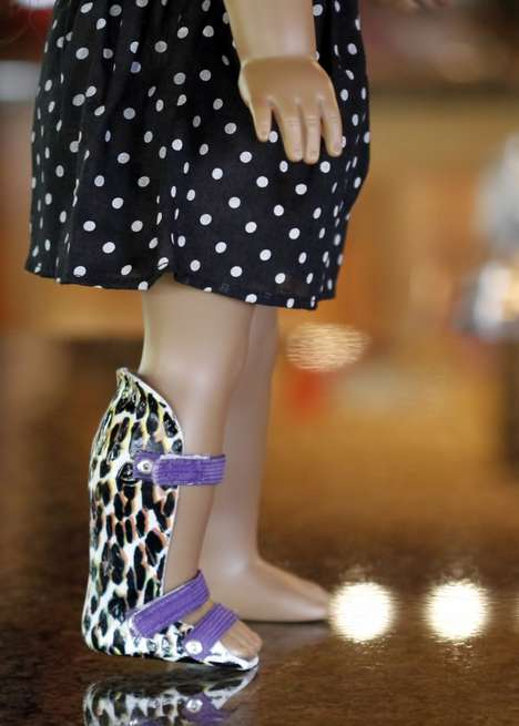 Figurine Leg Braces - Shishka Bob Design Doll Injury Braces Help Children Feel More Normalized