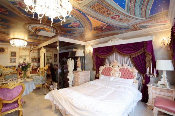 Top 75 Luxury Experience Ideas in September