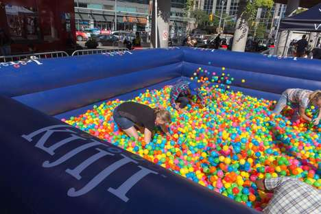 Collegiate Ball Pits - Kijiji Launched a Ball Pit for Adults at Toronto Frosh Week