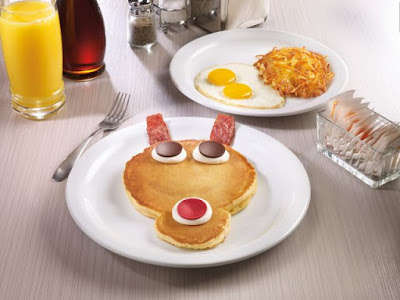 Reindeer-Shaped Pancakes