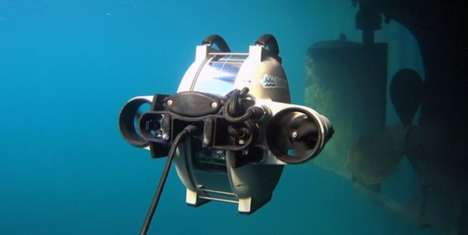 Observant Underwater Drones - This ROV is the First of Its Kind to Be Fully Portable