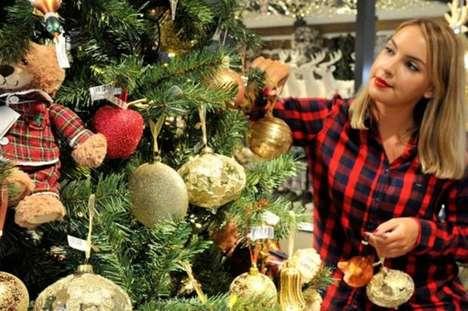 Tree-Decorating Retail Classes
