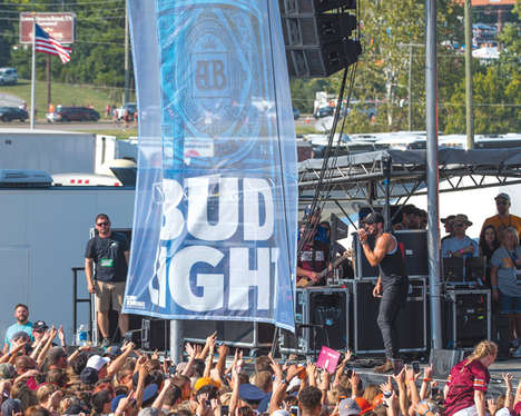 College Town Tailgate Parties - The Bud Light Down South Tailgate Tour Takes Live Music to Colleges